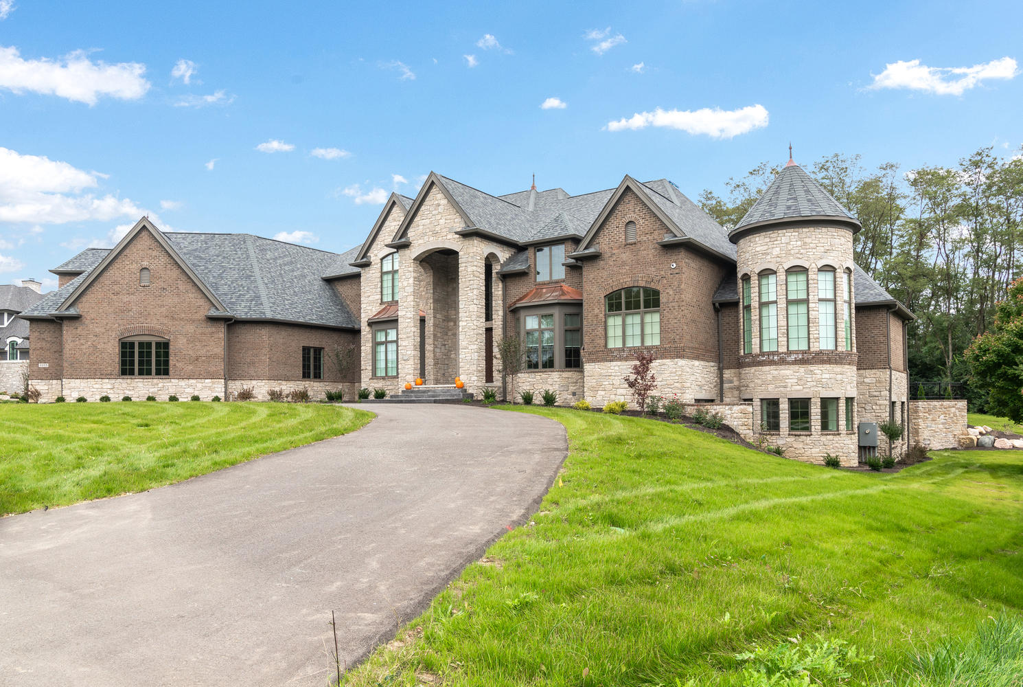 Exterior Custom Luxury Home Builder Central Indiana Madison Custom Homes Indianapolis Carmel Fishers Geist Mccordsville Westfield Zionsville General Contactor Project Construction Manager